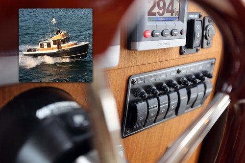 Blue Sea System - Sikringspanel med 8 afbrydere